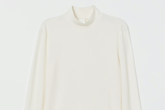 Ribbed Turtleneck Top H&M - https://www2.hm.com/en_us/productpage.0798763004.html