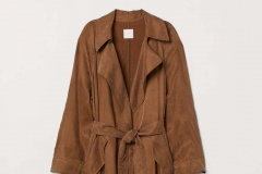 Trenchcoat H&M - https://www2.hm.com/en_us/productpage.0734700004.html